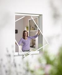 Insektenschutzlösungen für Fenster Türen und Lichtschacht. Maßgenau, sicher und langlebig